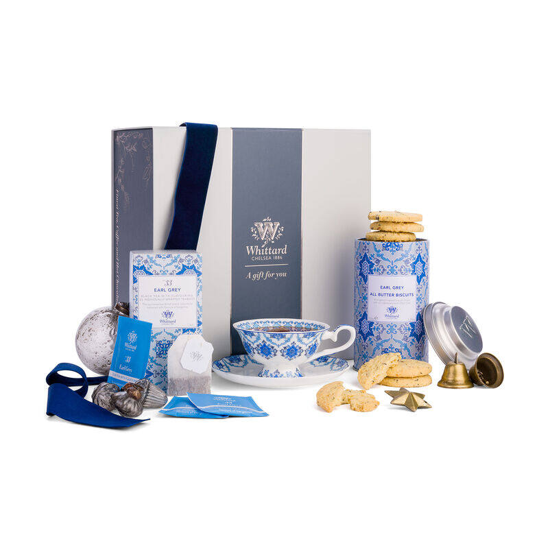 The Tea Discoveries Earl Grey Gift Set styled with ribbon