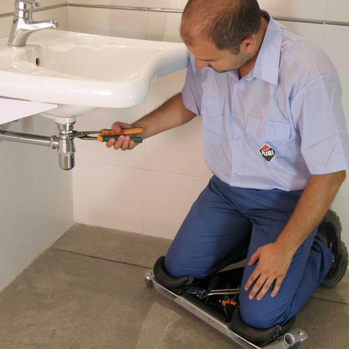Rubi SR1 Knee Roller In Use