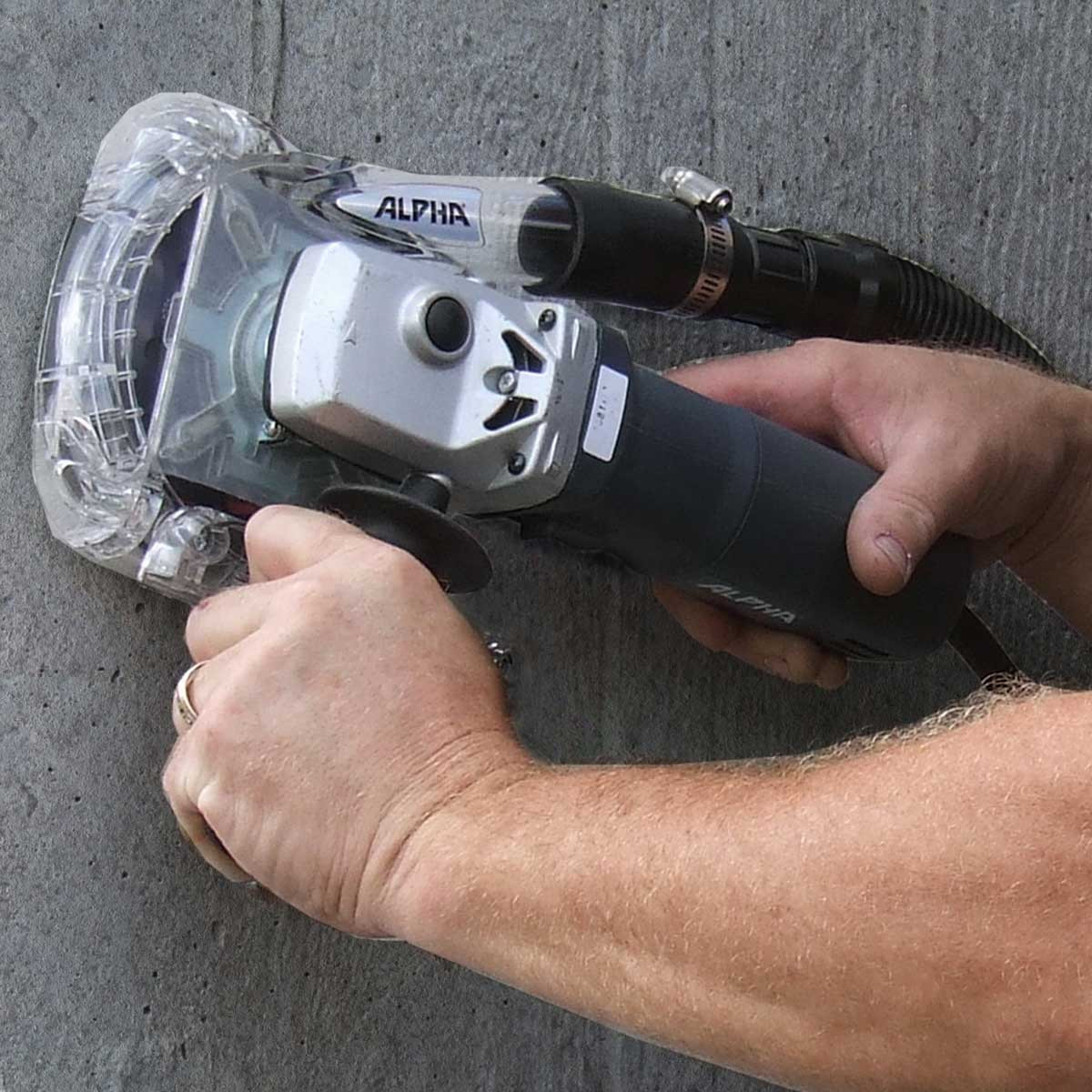 Grinding Concrete Walls with EcoGuard Type C