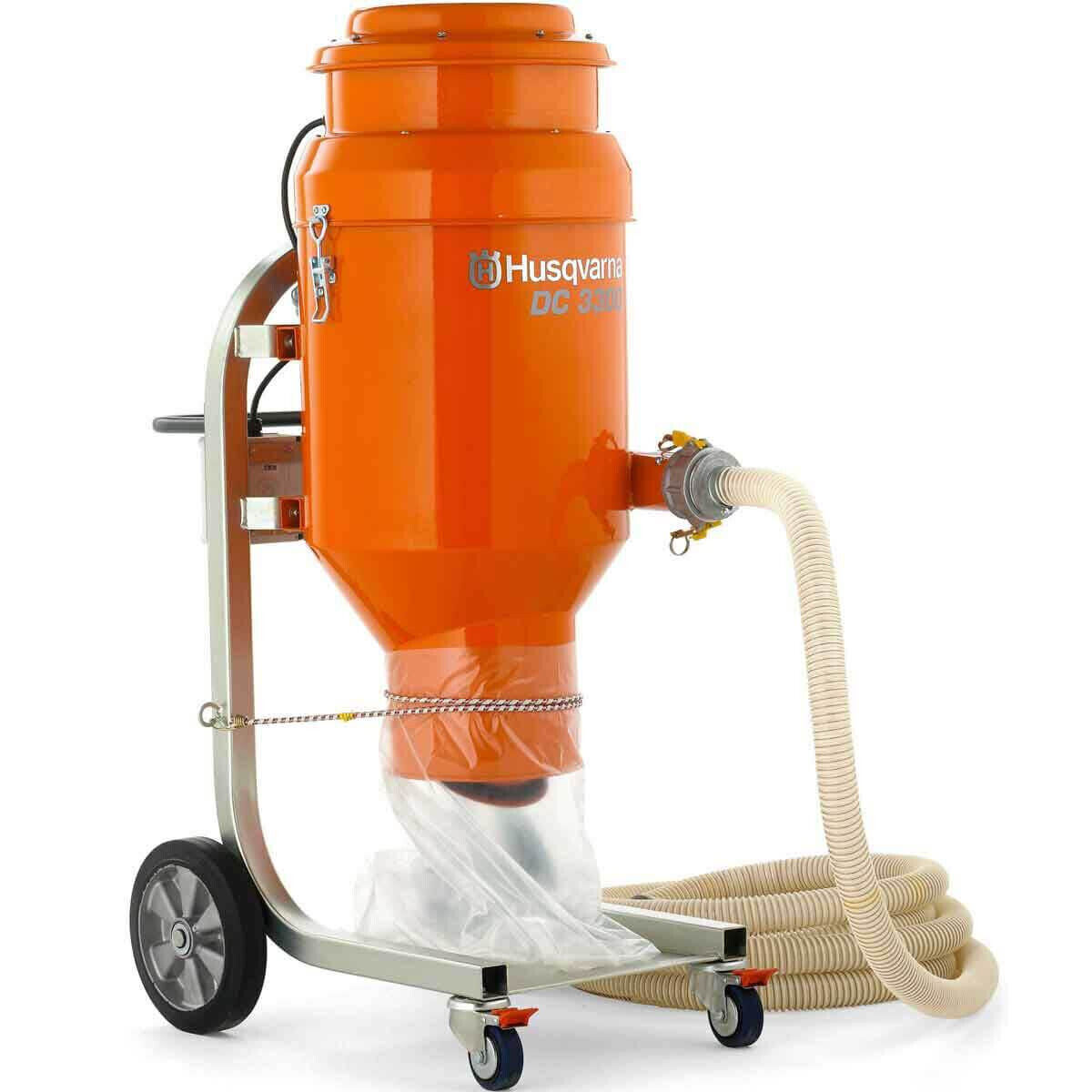 DC 3300 Vacuum with Flexible Hose