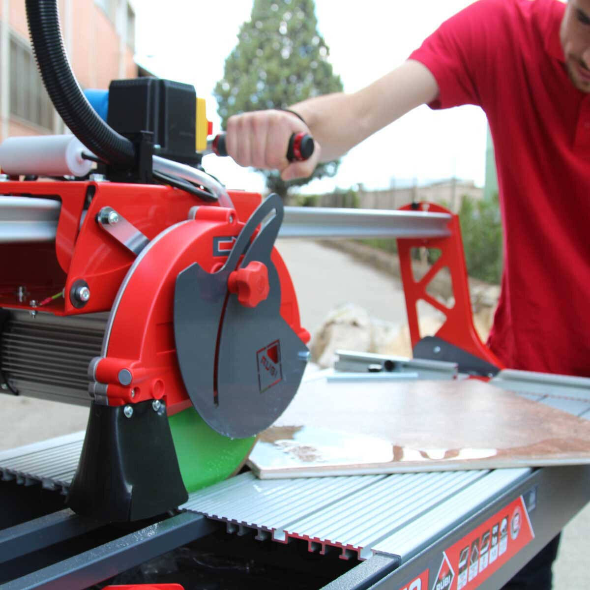 Rubi DC850 Wet Tile Saw In Use