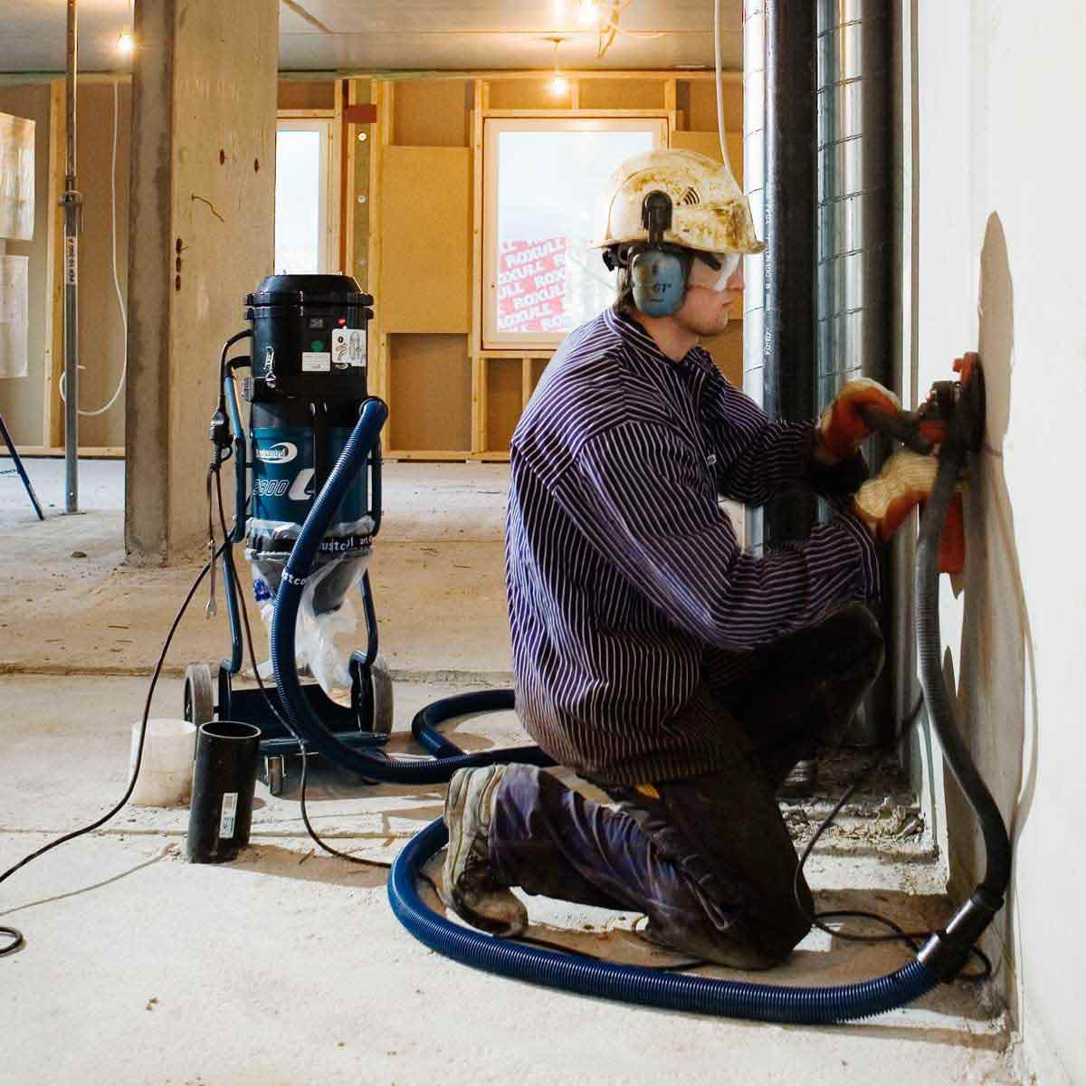 Grinding Concrete with DC2900c Dust Extractor