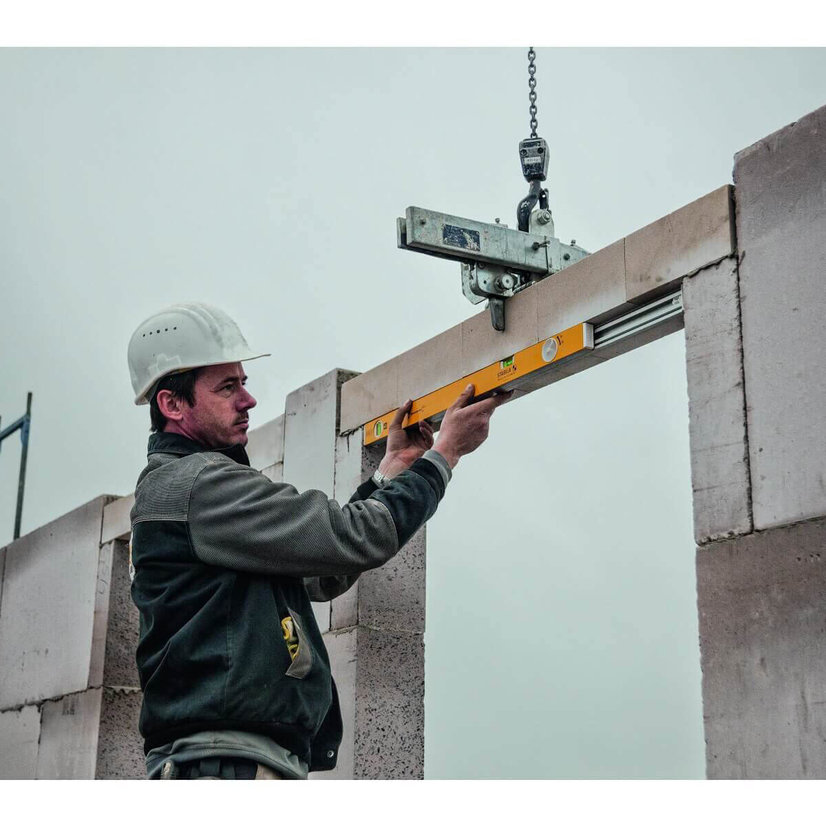 Adjustable Length Level for Concrete Layout