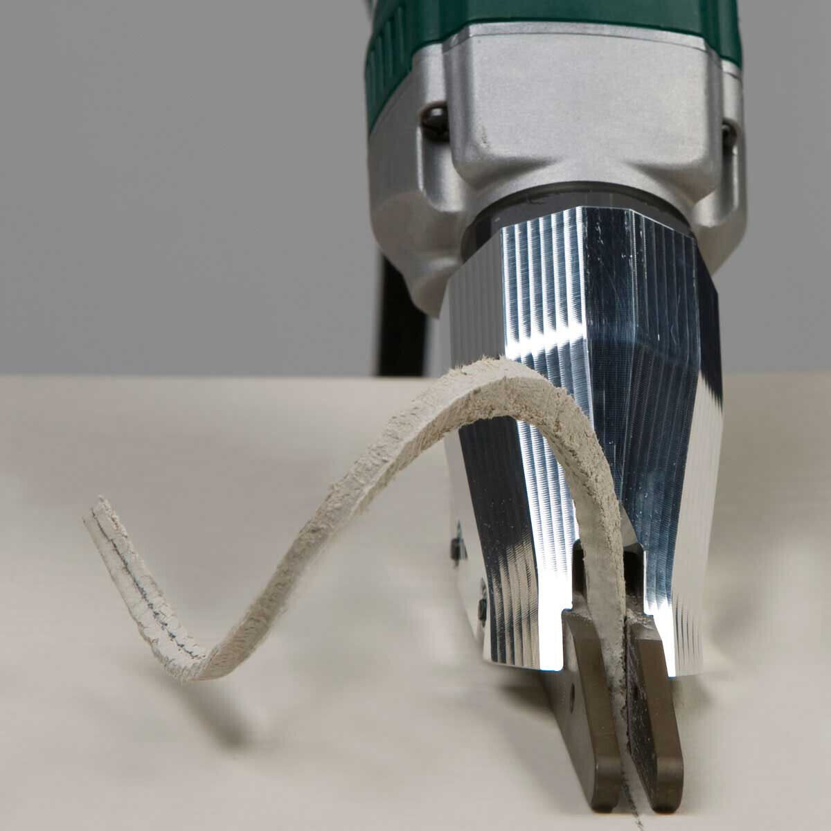 Looking for the quickest and cleanest way to cut backer board, Razor backer slices through Hardibacker super fast, easy and straight; cuts great curves too