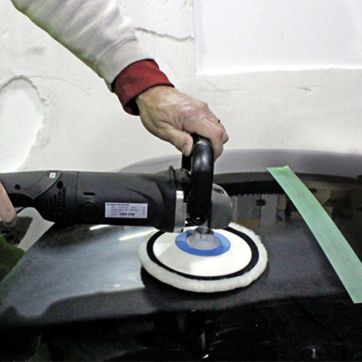Using Alpha VDP-700 for Automotive Polishing