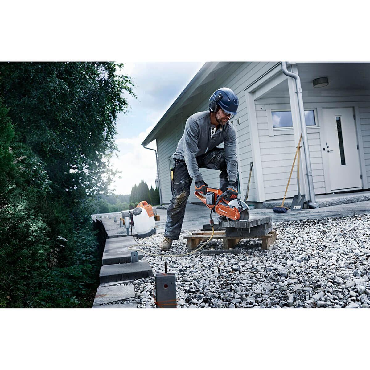 Cutting Brick and Block with Husqvarna K535i Cut Off Saw