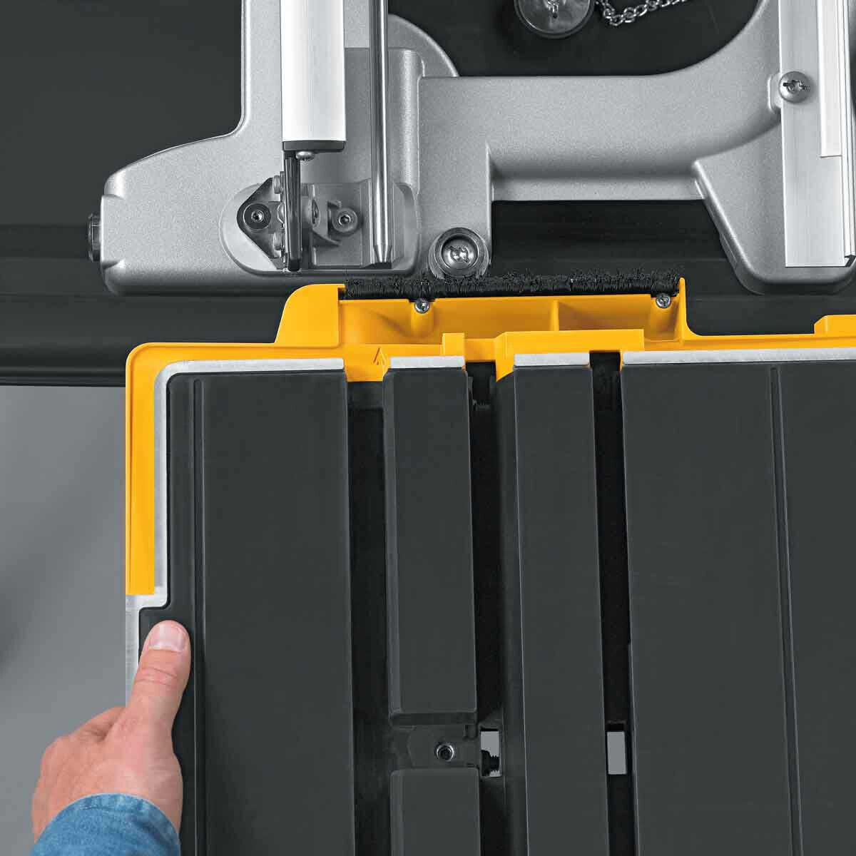D24000 Tile Saw carriage tray installation