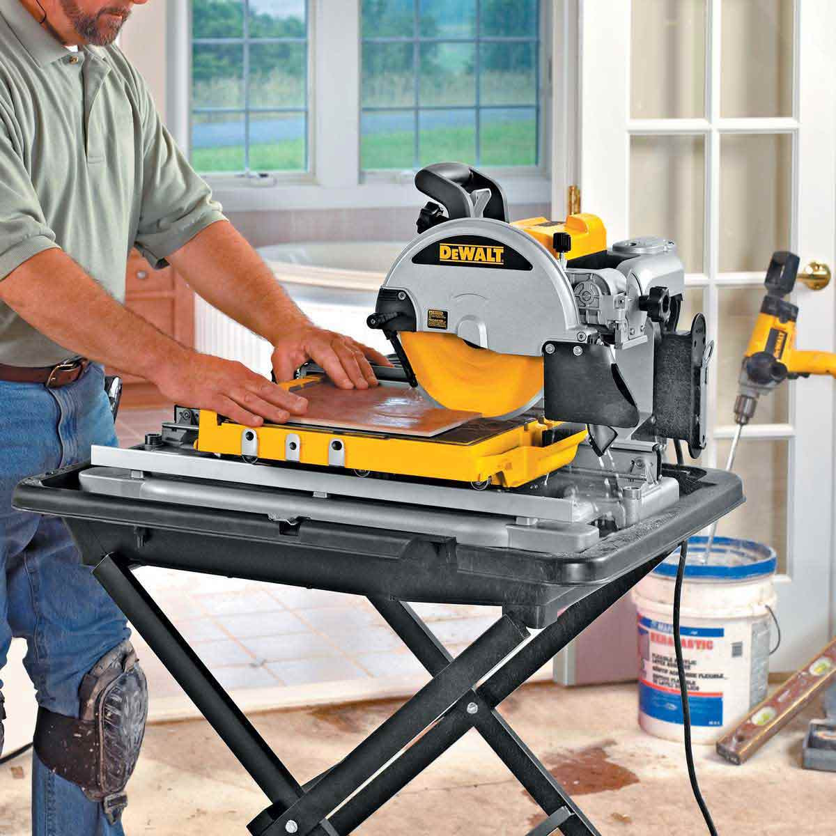 D24000 Tile Saw cutting tile