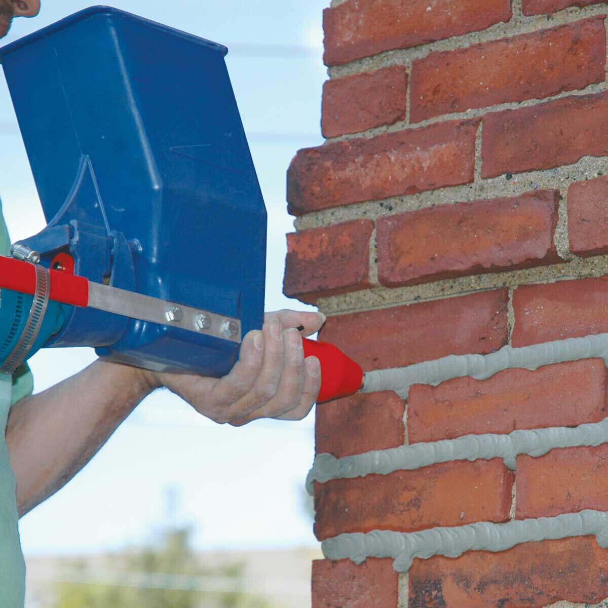 Applying Mortar to Brick Using Quikpoint Gun 3000