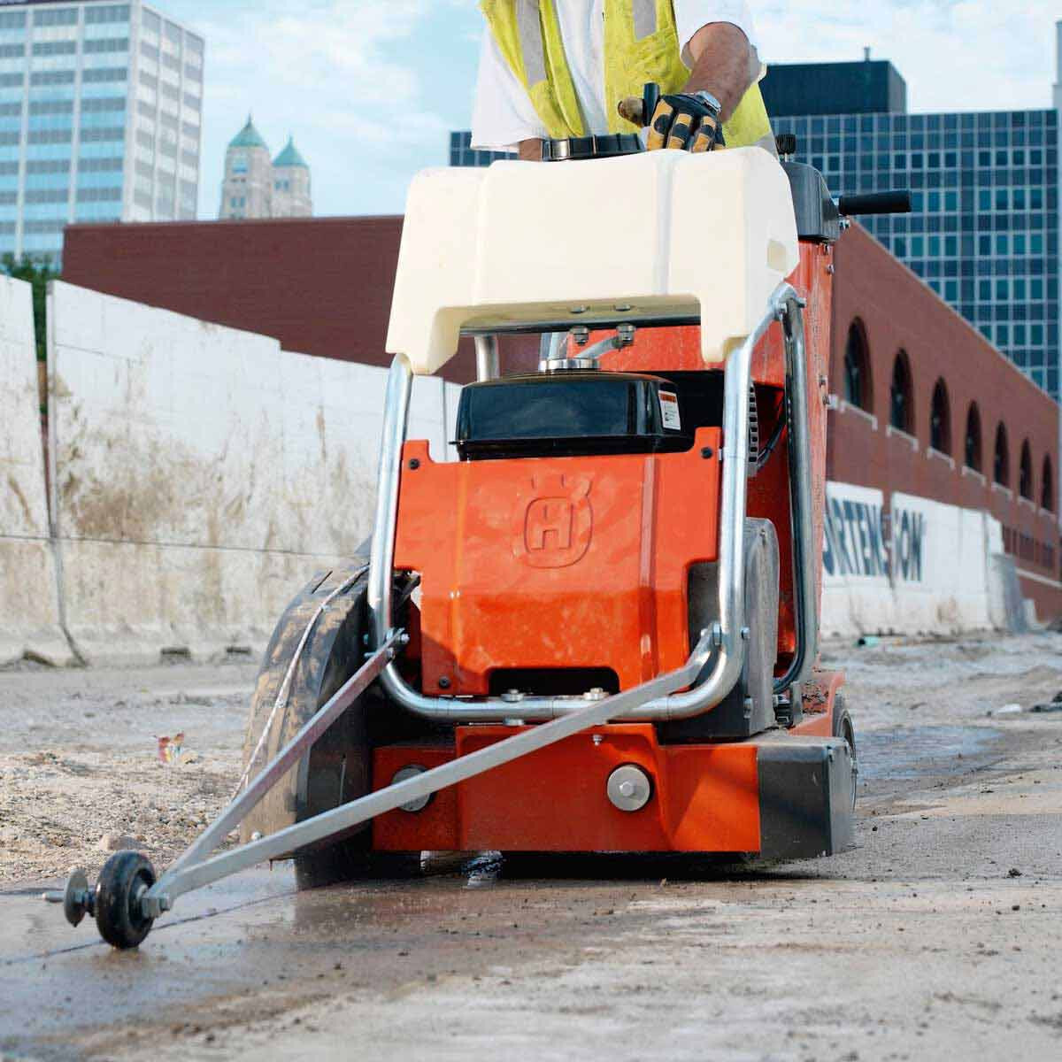 Cutting Concrete with Husqvarna FS 413 Guide Bar