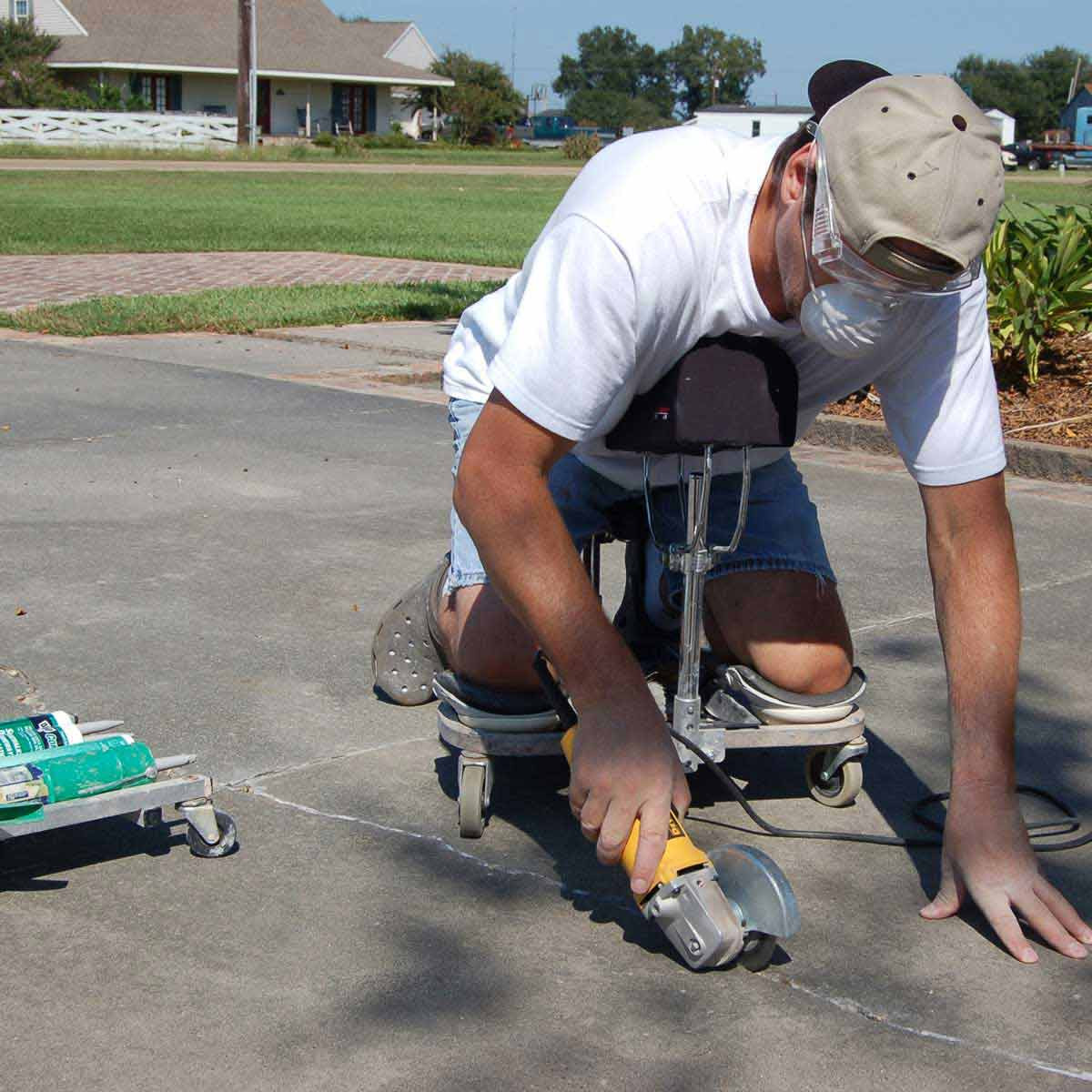 Racatac Mechanic Cart with Chest Support