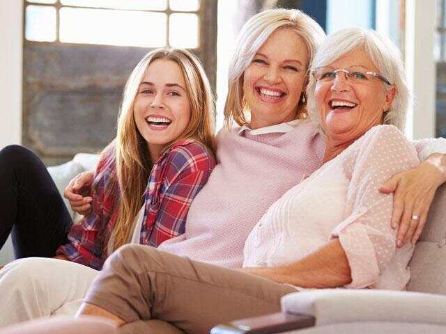 mother-grandmother-daughter_si.jpg