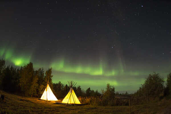 Camping under the Northern Lights in Yellowknife, Canada