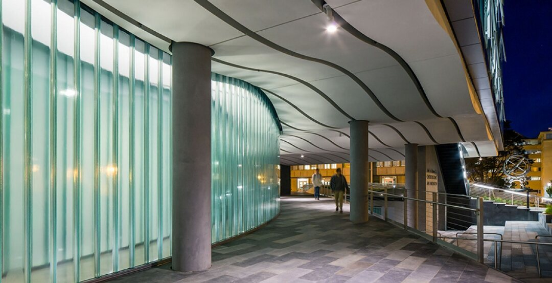 Channel Glass Illuminates Science At The University Of San Francisco Building Design Construction