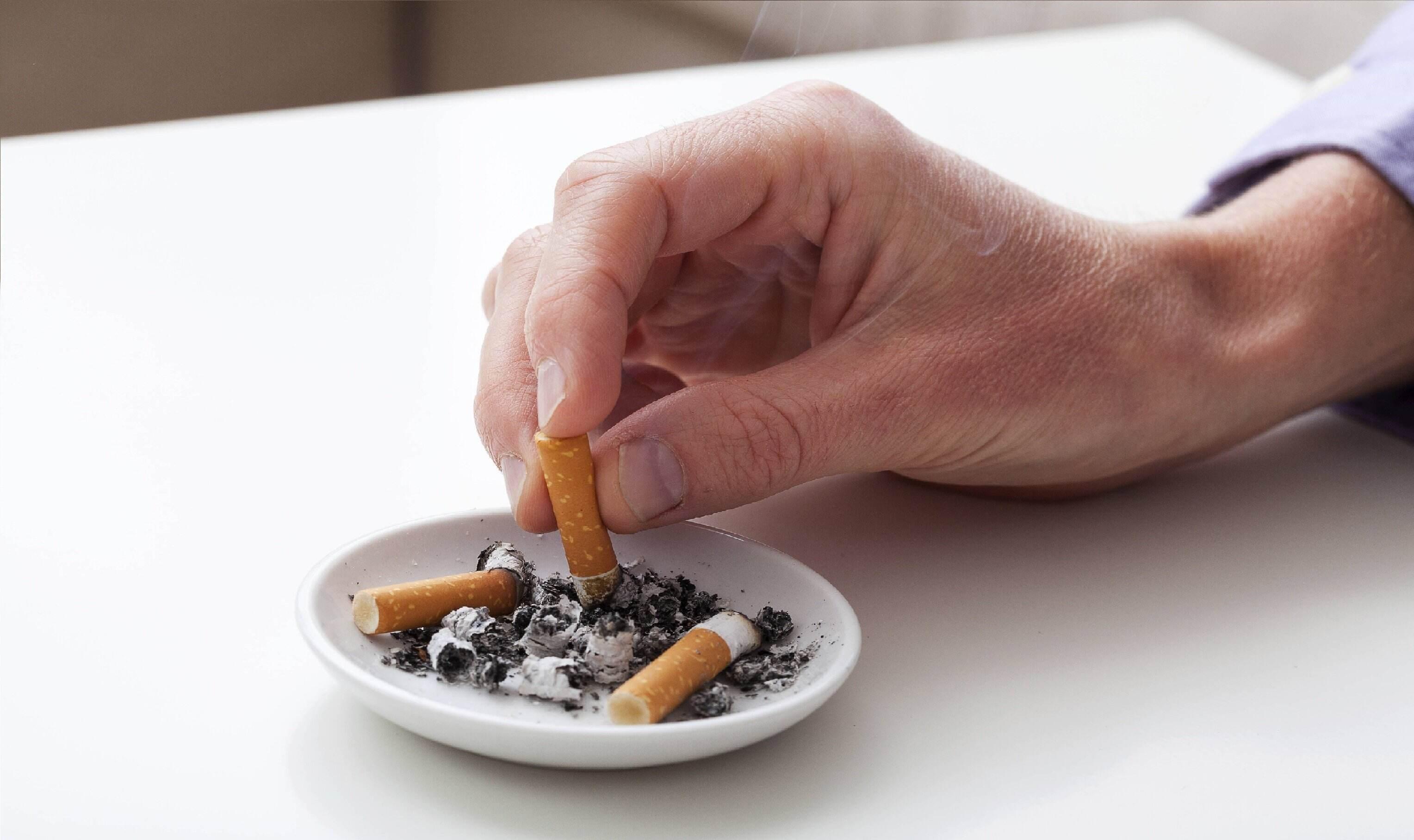Smoke cigarettes learning to women I am