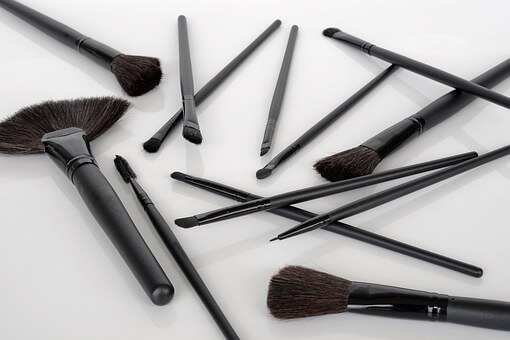How Best To Clean Your Makeup Brushes