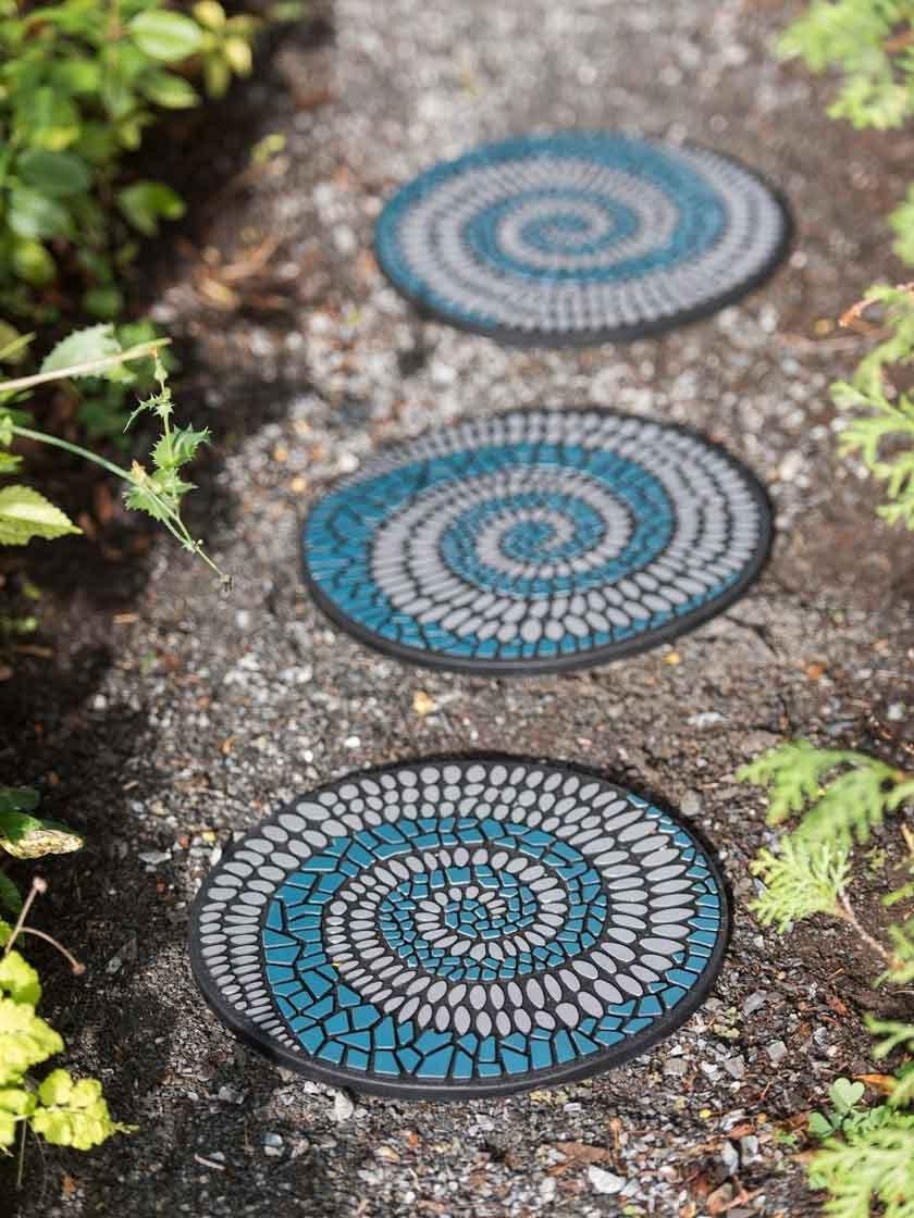 Mosaic Swirl Stepping Stone Recycled Rubber   Gardener's Supply