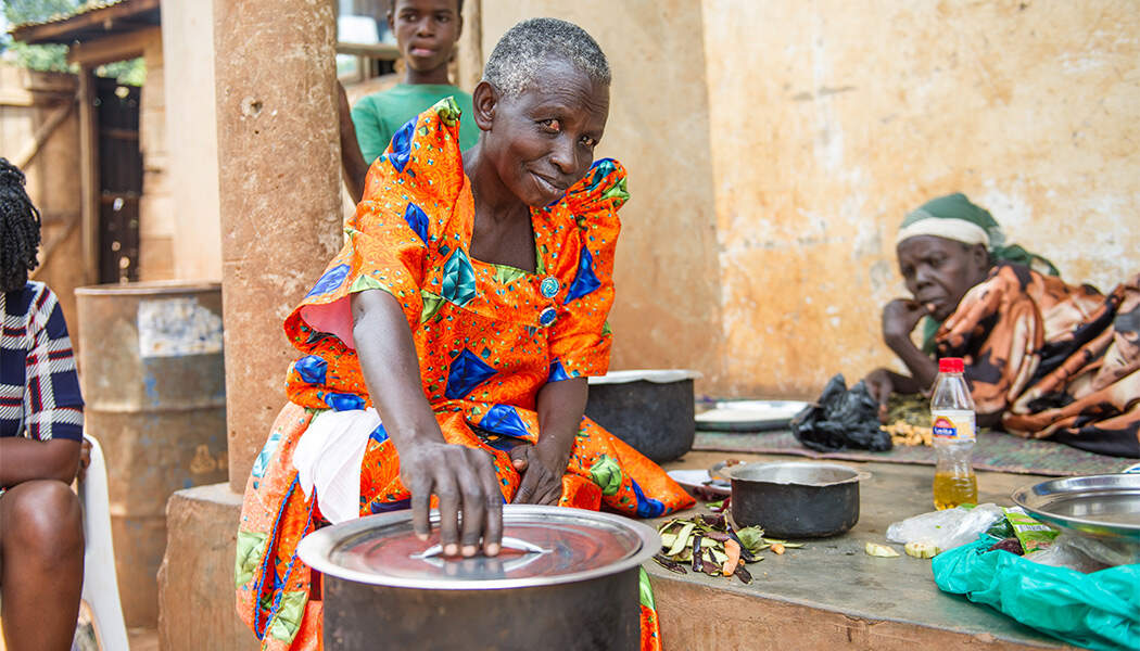 Jane-Nakintu-with-her-Cookstove-from-BrightLife