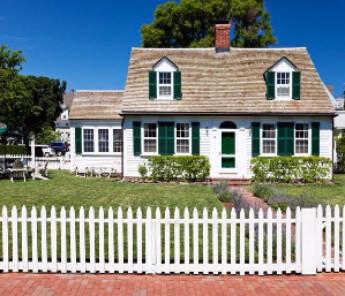 white house green shutters