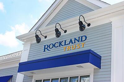 Exterior of Rockland Trust bank near me MA & RI