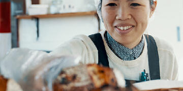 businesswoman running her bakery