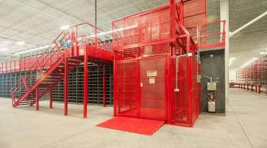 Platform in warehouse for ice machine distributor