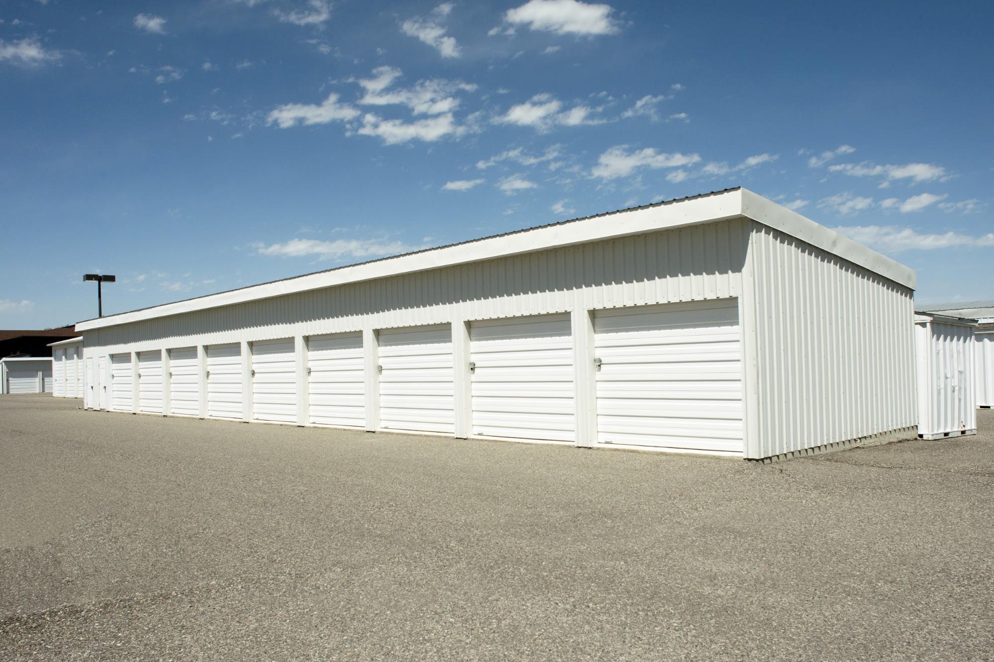 outdoor sale storage facility